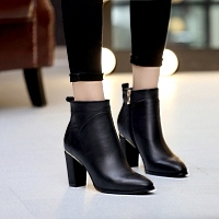 Famous Brand Leather Boots For Women #363730