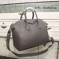 Givenchy AAA Quality Handbags #389960