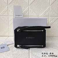 Givenchy AAA Quality Cosmetic Bags #389991