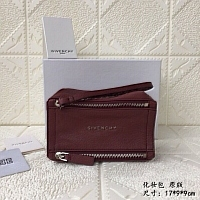 Givenchy AAA Quality Cosmetic Bags #389992