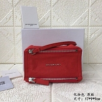 Givenchy AAA Quality Cosmetic Bags #389998