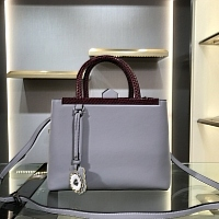 Fendi AAA Quality Handbags #438211