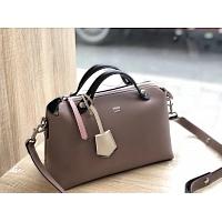 Fendi AAA Quality Messenger Bags #438626
