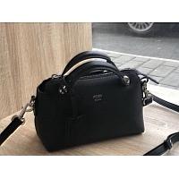 Fendi AAA Quality Messenger Bags #438631