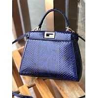 Fendi AAA Quality Messenger Bags #438660