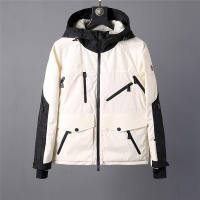 Moncler Jackets Long Sleeved For Men #470341