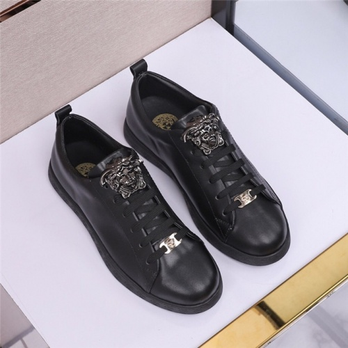 Versace Casual Shoes For Men #473705