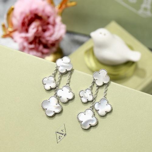 Van Cleef & Arpels AAA Quality Earrings #505237