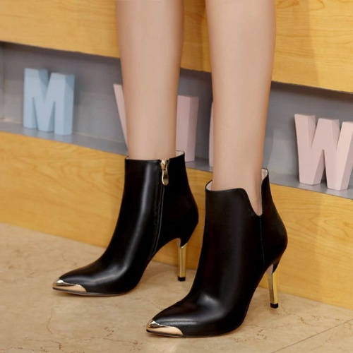 Cheap Christian Dior Boots For Women #525669 Replica Wholesale [$82.45 USD] [W#525669] on Replica Christian Dior Boots