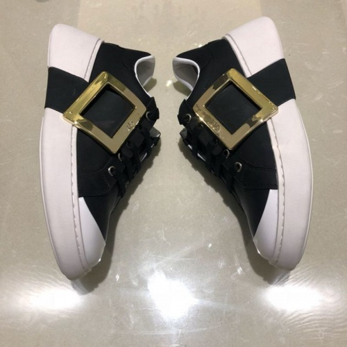 Cheap Roger Vivier Casual Shoes For Women #526098 Replica Wholesale [$95.06 USD] [W#526098] on Replica Roger Vivier Shoes