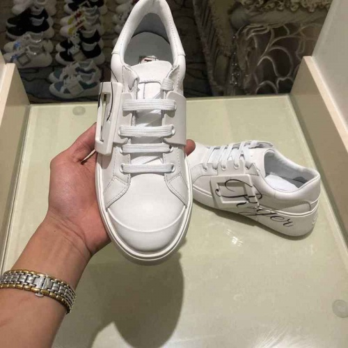 Cheap Roger Vivier Casual Shoes For Women #526113 Replica Wholesale [$95.06 USD] [W#526113] on Replica Roger Vivier Shoes