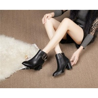 Cheap Versace Boots For Women #526303 Replica Wholesale [$95.06 USD] [W#526303] on Replica Versace Boots
