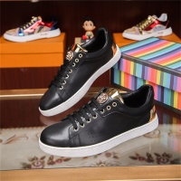 Versace Casual Shoes For Men #531421