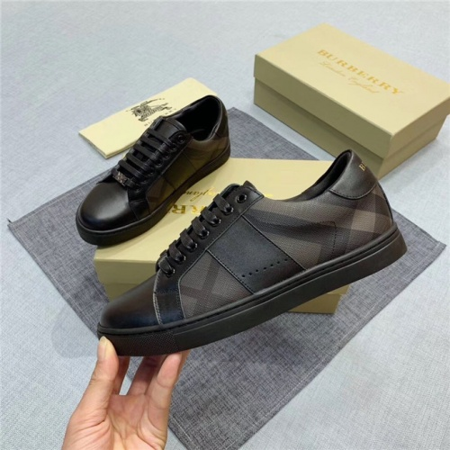Burberry Casual Shoes For Men #538000