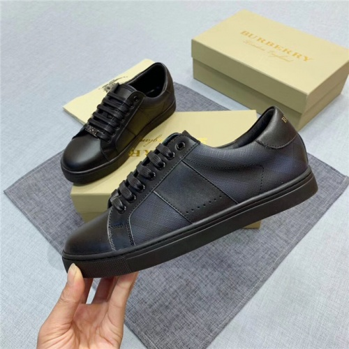 Burberry Casual Shoes For Men #538001