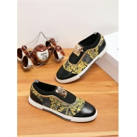 Versace Casual Shoes For Men #538396