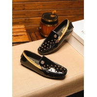Versace Casual Shoes For Men #543551