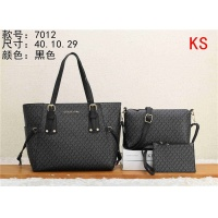 Michael Kors Handbags #549165