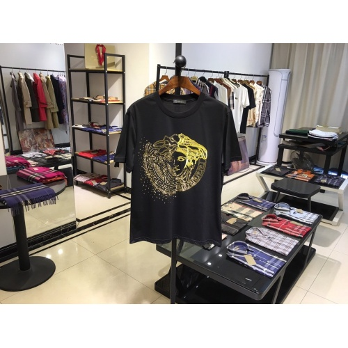 Cheap Versace T-Shirts Short Sleeved O-Neck For Men #770352 Replica Wholesale [$41.71 USD] [W#770352] on Replica Versace T-Shirts