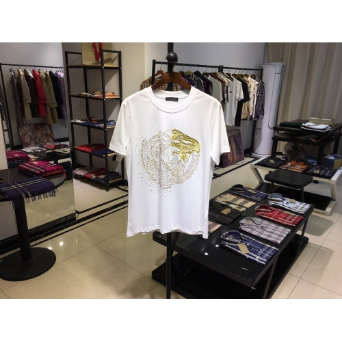 Cheap Versace T-Shirts Short Sleeved O-Neck For Men #770353 Replica Wholesale [$41.71 USD] [W#770353] on Replica Versace T-Shirts