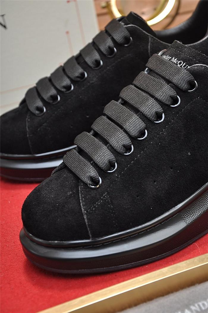 Alexander McQueen Larry Latino Grain Sneakers 38.5