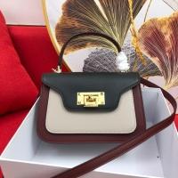 Michael Kors AAA Quality Messenger Bags For Women #765409