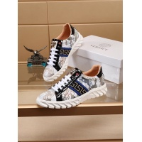 Versace Casual Shoes For Men #772255