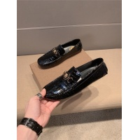 Versace Casual Shoes For Men #777498