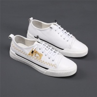 Versace Casual Shoes For Men #788598
