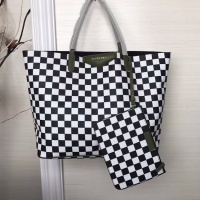 Givenchy AAA Quality Handbags For Women #806892