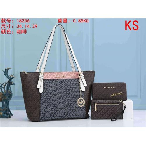 Michael Kors Handbags For Women #820833