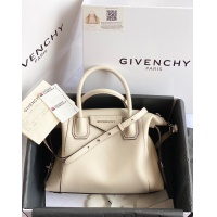 Givenchy AAA Quality Handbags For Women #820593