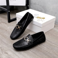 Versace Casual Shoes For Men #820678