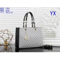 Michael Kors Handbags For Women #842392