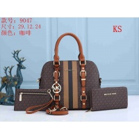 Michael Kors Handbags For Women #846114
