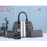 Michael Kors Handbags For Women #846116