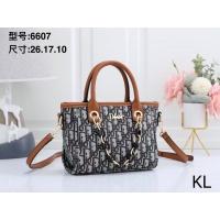 Christian Dior Handbags For Women #870629