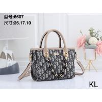 Christian Dior Handbags For Women #870630