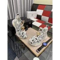 Versace Casual Shoes For Men #878560