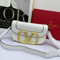 Valentino AAA Quality Messenger Bags For Women #881778