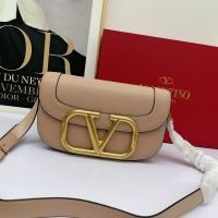 Valentino AAA Quality Messenger Bags For Women #881780