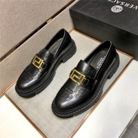 Versace Casual Shoes For Men #891394