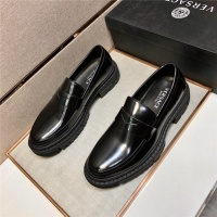 Versace Casual Shoes For Men #891395
