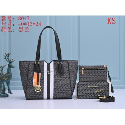 Cheap Michael Kors Handbags For Women #910746 Replica Wholesale [$39.00 USD] [W#910746] on Replica Michael Kors Handbags