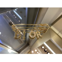 Christian Dior Brooches #908722
