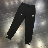 Moncler Pants For Men #921615