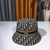 Christian Dior Caps #924035